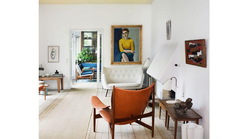 Hak atas foto Life Meets Art / Phaidon Rumah abad pertengahan dari desainer dan arsitek Denmark Finn Juhl masih terasa sangat modern.