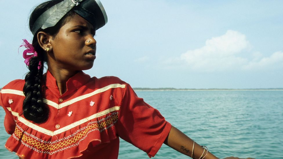 Young and old women alike make up the majority of the seaweed-cultivating workforce in Tamil Nadu and the Gulf of Mannar (Credit: Alamy)