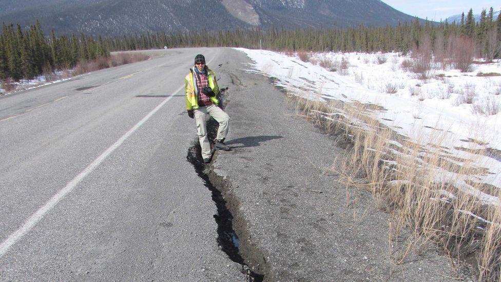 A crack in the road in Canada (Credit: Guy Dore)
