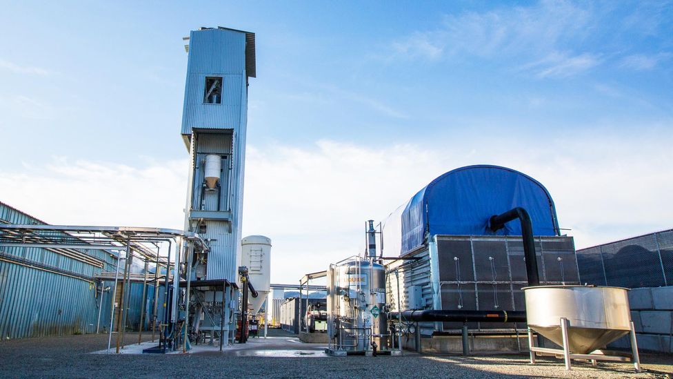 """Carbon Engineering's pilot plant in British Columbia, is the """"cookie cutter"""" model for much larger DAC plants (Credit: Carbon Engineering)"""