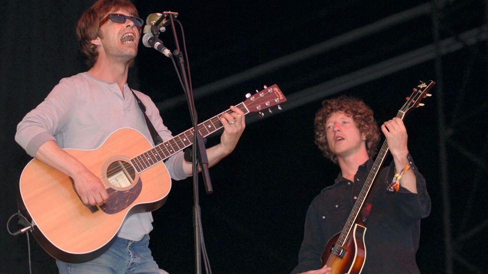 Mavers y John Power se reunieron nuevamente para una gira de 2005, que incluyó una aparición en Glastonbury, pero la reunión duró poco (Crédito: Getty Images)