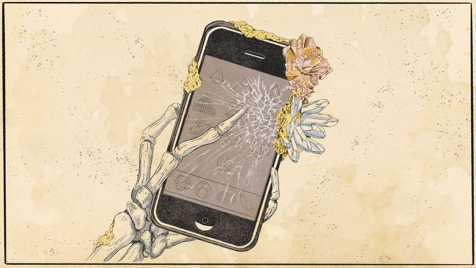What will our descendants make of the glass screens and rare earth metals of our smartphones? (Credit: Emmanuel Lafont)