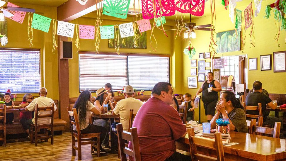 Locals fill Mitla Cafe at lunchtime (Credit: Ivana Larrosa)