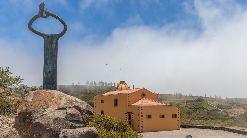 The Whistling Tree sculpture at Mirador de Igualero demonstrates the whistling technique (Credit: Richard Franks)