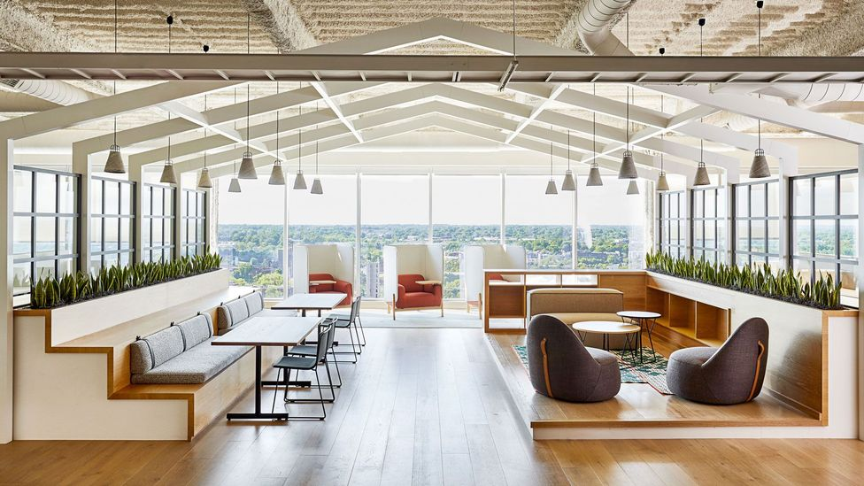 """LendingTree's newly renovated office in North Carolina, US, is a """"resi-mercial"""" blend to create a new type of environment for returning workers (Courtesy of LendingTree)"""
