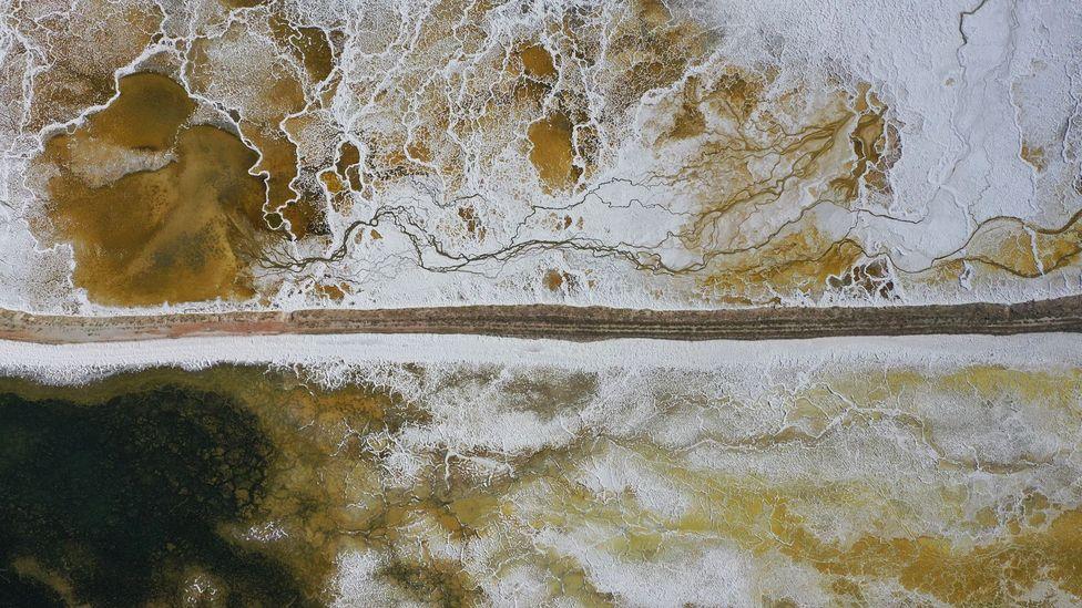 The Eti Mine Works na Turquia, onde o lítio é extraído dos resíduos da produção de boro (Crédito: Ali Atmaca / Getty Images)