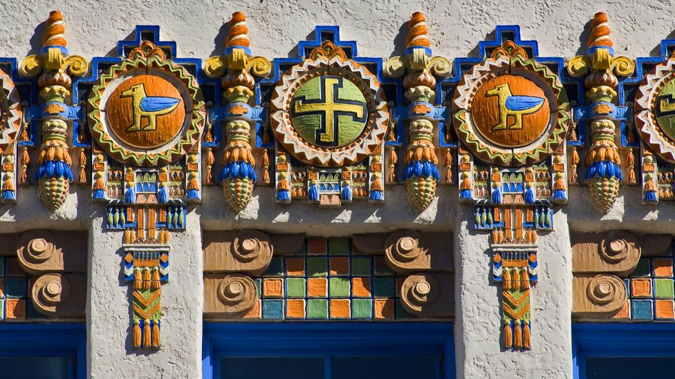The KiMo Theatre in New Mexico, USA, is adorned with traditional Navajo emblems (Credit: Alamy)