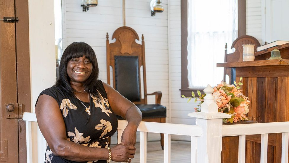 Robinson shares her stories on tours, and uses profits to help restore Gullah homes and cemeteries (Credit: Butch Hirsch Photography)