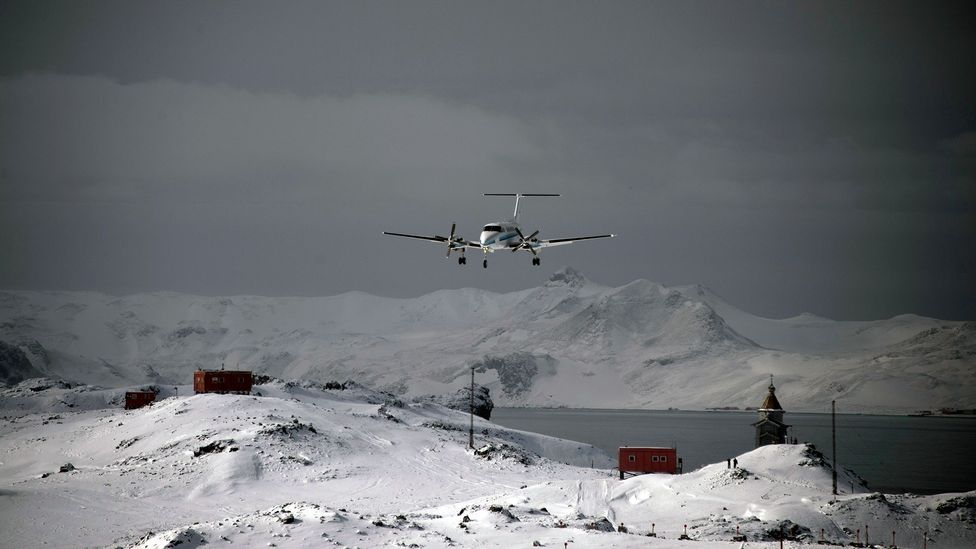 On overcast days when there is little contrast between the sky and the snow on the ground, flying can be extremely challenging (Credit: Vanderlei Almeida/AFP/Getty Images)