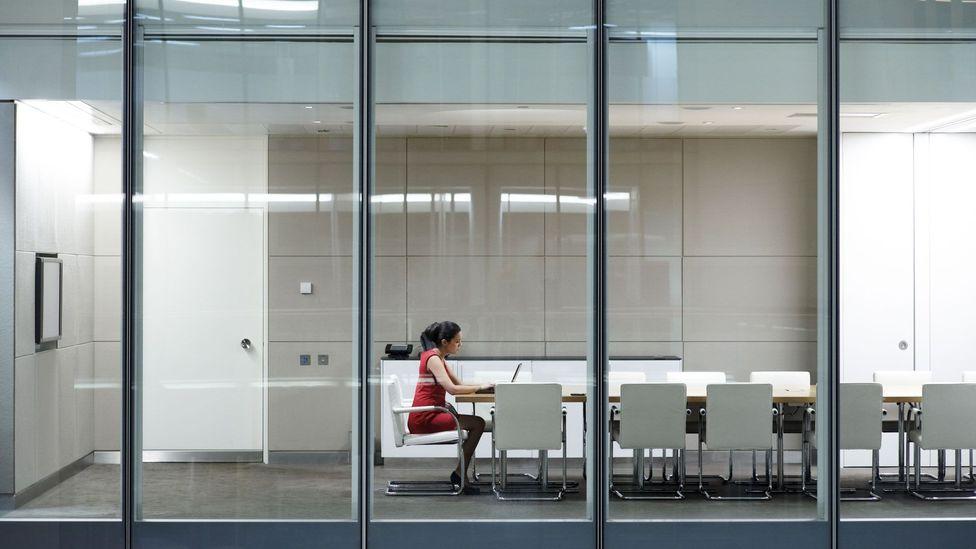 Poner la cabeza a trabajar y esforzarse no significa que sus supervisores lo noten y lo elogien (Crédito: Getty Images)