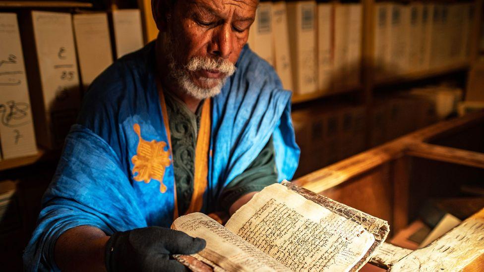 Books from around the Sahara made their way into libraries during the trans-Saharan trade era (Credit: Juan Martinez)
