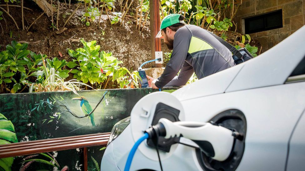 The emergence of grassroots charging networks is helping defeat range anxiety in rural Costa Rica as the country seeks to decarbonise (Credit: Mariela Vásquez)