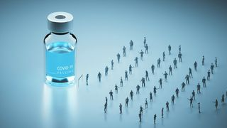Queue of people and vaccine (Credit: Andriy Onufriyenko/Getty Images)